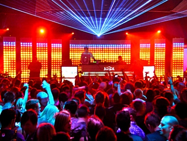 hollywood-nightlife-party-bus-nightclubs