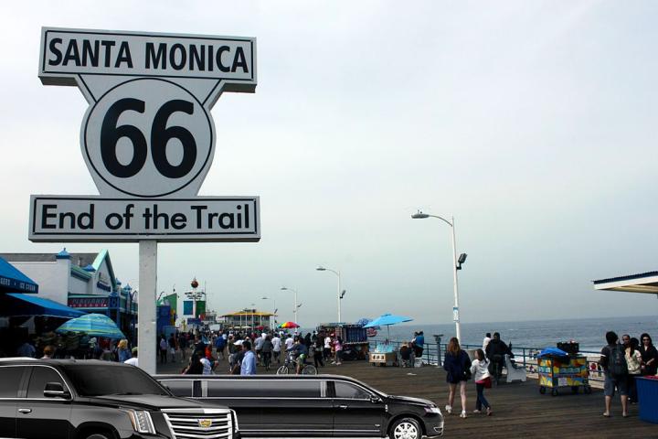 limos-in-Santa-Monica-sedan-service