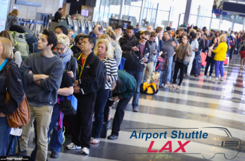 skip-lax-airport-waiting-lines-los-angeles-airport-limousines-at-lax